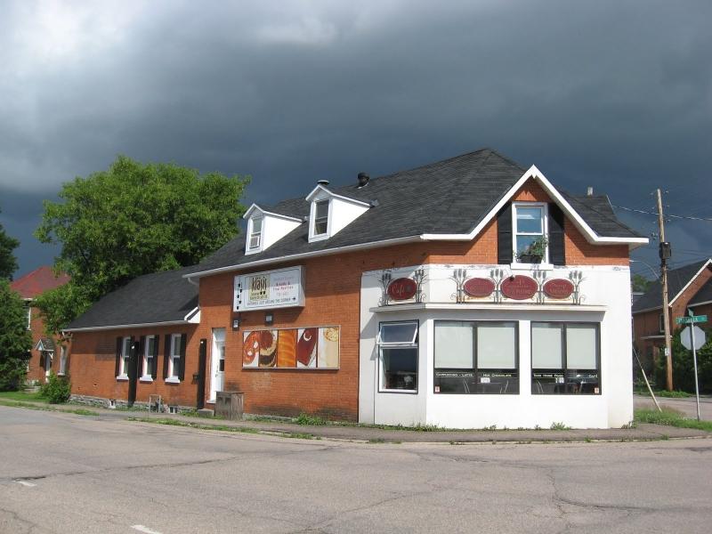 Togni Restaurant in Pembroke